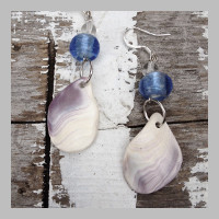 WAMPUM-SHELL-BLUE-BEAD-EARRINGS2